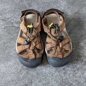 Keen Ravine H2 brown waterproof slip on sandals